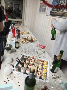 Fete-de-Noel-groupement-d-employeurs-Tisserent-Loudeac-buffet